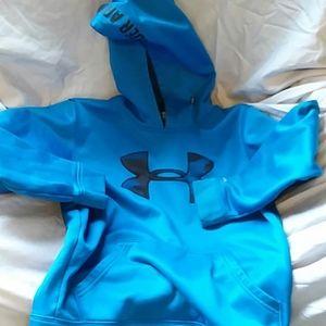Good condition under armor sweatshirt